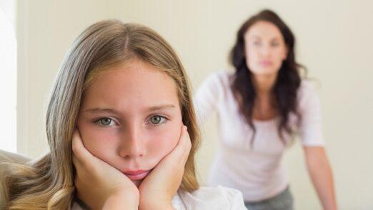 قهر کودکان با والدین