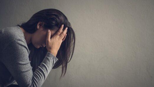 Stressed_woman_iStock-865618914_spukkato
