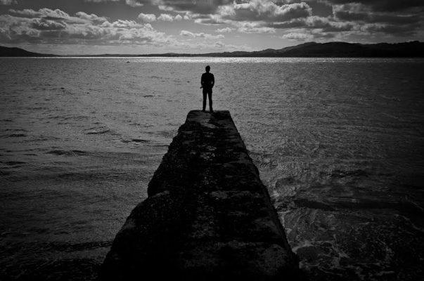 چرا احساس تنهایی می کنم