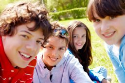 افزایش اعتماد به نفس در نوجوانان
